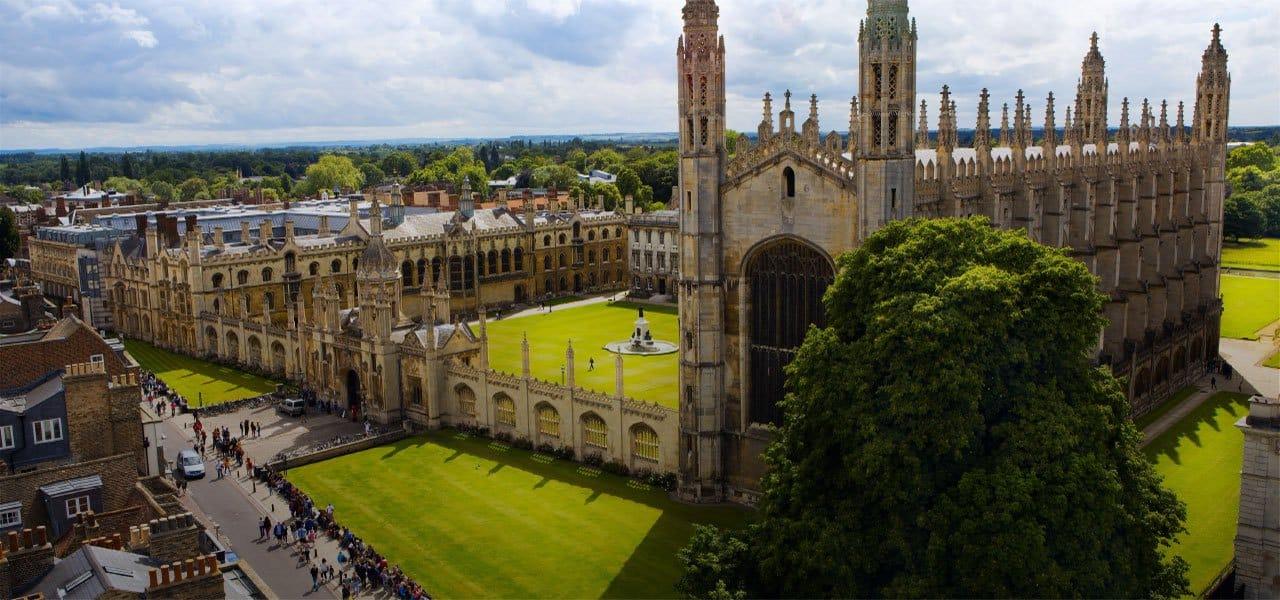 اكاديمية مجتهد أكثر من 700 كتاب من موقع جامعة كامبريدج البريطانية